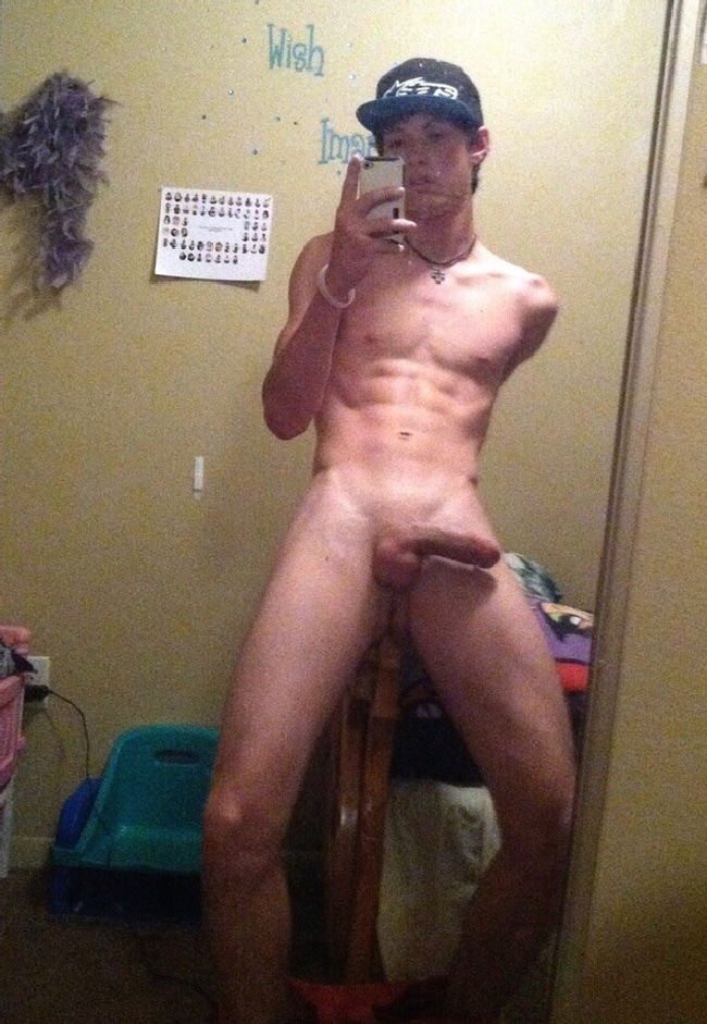 Naked Gay Cam Boy