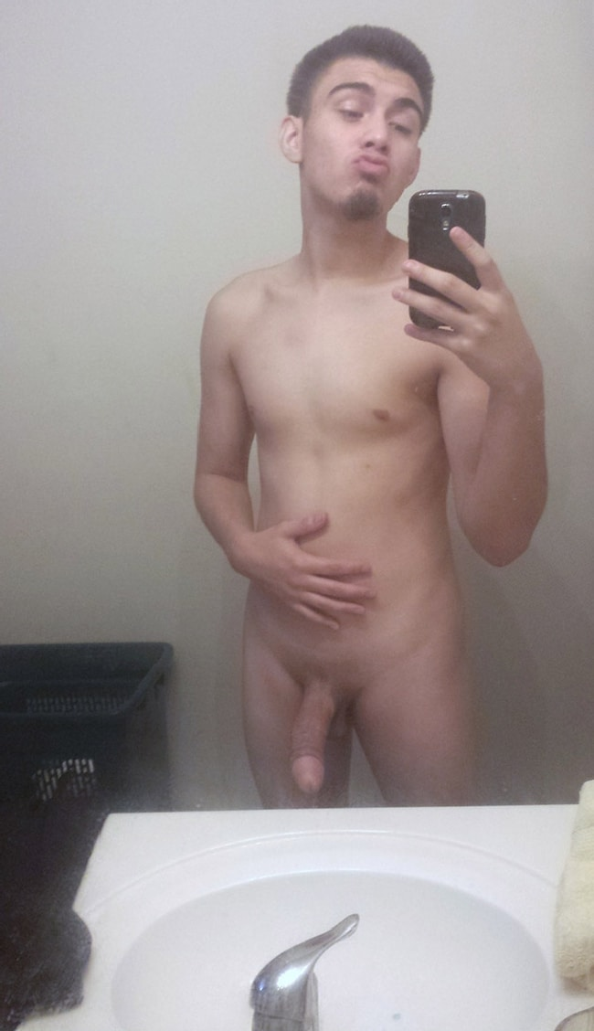 Nude Gay Cam Boy